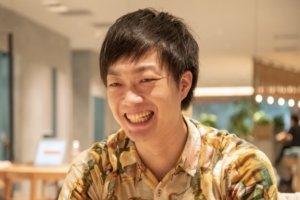 侍エンジニア塾インタビュー時の元銀行員エンジニアきたしょーの写真